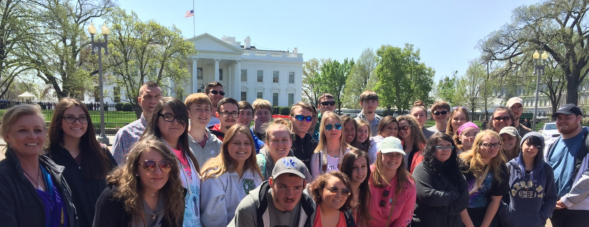 MCHS Seniors Outside the White House